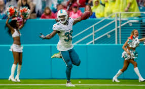 VIDEO: Before Miami Dolphins special teams scores, Walt Aikens was sick  dunker - News - The Palm Beach Post - West Palm Beach, FL