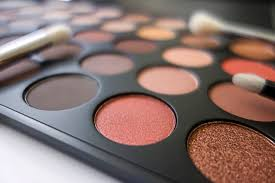 makeup palettes perfect for cruising