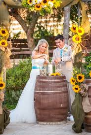 Pin By Farrah Lister On Wedding Sunflower Themed Wedding Rustic Sunflower Wedding Sunflower Wedding