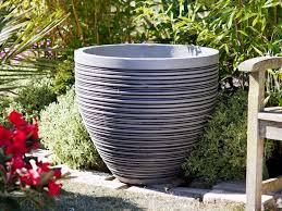 diffe types of large garden pots