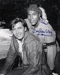 File:Fess Parker-Don Pedro Colley in Daniel Boone still.jpg - Wikimedia  Commons