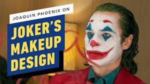joker joaquin phoenix on the clown