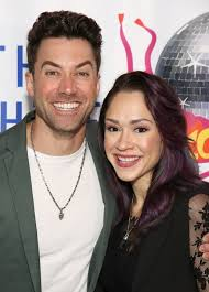 Ace Young and Diana DeGarmo | 11 Adorable Broadway Couples Who Took Their  Love Stories Off Stage | POPSUGAR Celebrity Photo 3