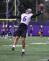 Freshman Byron Murphy 'the full package' for the Huskies ...