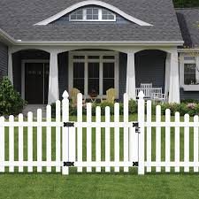Outdoor Essentials Picketlock Yorktown 4 Ft H X 8 Ft W White Vinyl Dog Ear Fence Panel In The Vinyl Fence Panels Department At Lowes Com