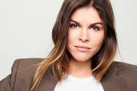 how glossier founder emily weiss built