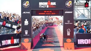 IRONMAN - Alex Zanardi finishes the 2019 #IMItaly in 8:25