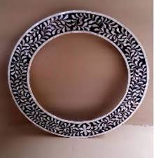 pearl round mirror black blue white
