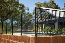 glass and aluminium pool fence