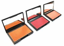 3 sleek makeup blushes that are perfect