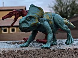 "🌴Adriana Price🌴 on Instagram: ""Attack pack protoceratops being ambushed  by attack pack herrerasaurus!!!🦖⚔️🦖 (credit me … | Jurassic world,  Dinosaur toys, Ambush"