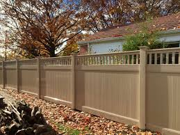 Pros And Cons Of Vinyl Fences Illinois Fence Company