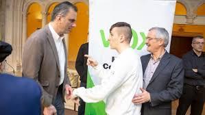 Vox denuncia un intento de agresión a su secretario general, Javier Ortega  Smith