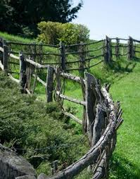 Combination Curves And Inside Corners With A Partial Wattle And Post And Rail Fence Rustic Fence Country Fences Garden Gates And Fencing