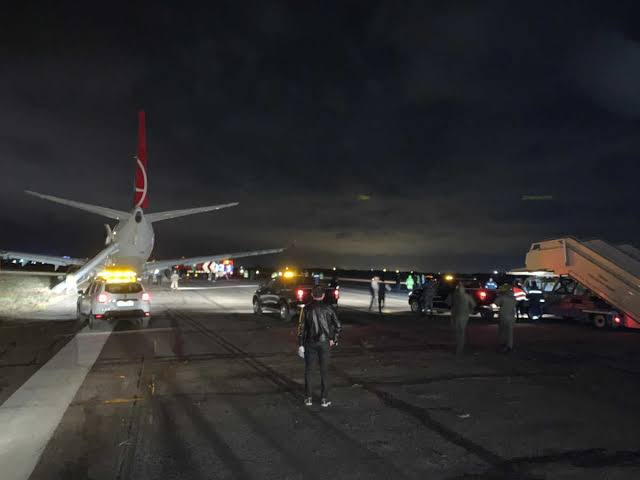 """THY uçağı pistten çıktı, 134 yolcu ile ilgili görsel sonucu"""""""