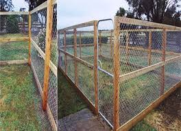 Cheap Fencing Ideas For Dogs Dog Run Fence Building A Dog Kennel Diy Dog Kennel