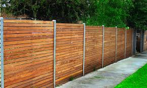 8 Creative And Inexpensive Cool Ideas Horizontal Lattice Fence Balcony Fence Living Spaces Aluminum Fence Drivew Modern Fence Modern Fence Design Fence Design