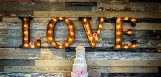 indoor vs outdoor wedding venues in