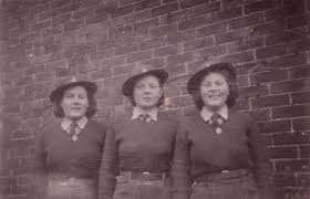Barbara and Audrey Cox - Women's Land Army.co.uk