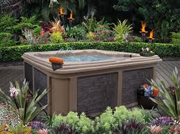 7 sizzling hot tub designs