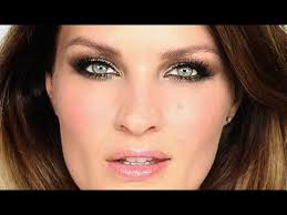 gold glitter glamour party makeup you