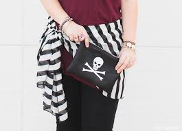 diy pirate costume for or