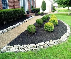 garden edging ideas with pebbles and stones