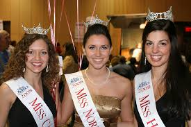 """Marcie Smith """"Miss Captial"""" Juile Fuller """"Miss Northern Delaware"""" and Carly  Economos """"Miss Hockessin"""" pose a shot while promoting for Miss Delaware 