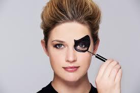 easy halloween makeup ideas using just
