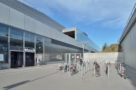 File:U2 Station Hausfeldstraße - bike racks 02.jpg - Wikipedia