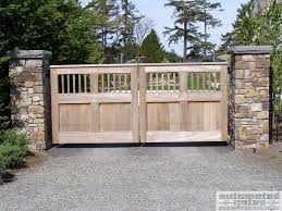 Gates Fence Gate Automation Chicken Coop Doors Ideas Automatic Pop Door Opener Chickens By Keeper Kit Latch Id In 2020 Backyard Gates Wood Gate Farm Gates Entrance