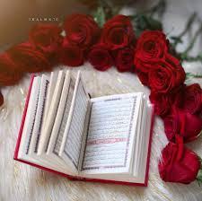 شموع وورود جميلة