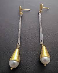 es 196 es 196 earrings with stones