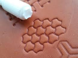 4 craftool 502 basketweave design
