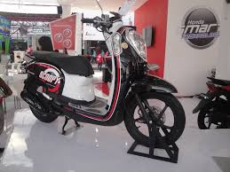 82 modifikasi scoopy fi warna hitam