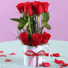 romantic red roses mug arrangement