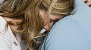 Почему любимый мужчина не понимает, когда женщине нужна поддержка?