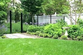 Small Fences For Gardens Small Garden Fence Ideas Wanderinc Co