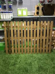 G G 4ft X 6ft Round Top Picket Fence Panel Brown
