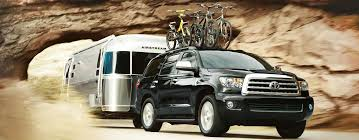 how much can the 2016 toyota sequoia tow