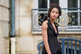 Willow Smith comes out to mother and grandmother: 'I love men and ...