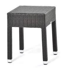 coffee table in woven synthetic fiber