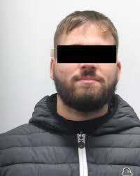 Brindisi: arrestati in autobus dopo tentata rapina