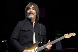 Veteran Rock Guitarist Larry Campbell Talks Battling Coronavirus ...