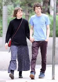 Jesse Eisenberg and Mia Wasikowska go public with their romance as ...