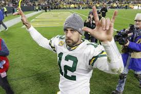 No Weapons? No Problem. Aaron Rodgers Is Back as NFL's Magician ...