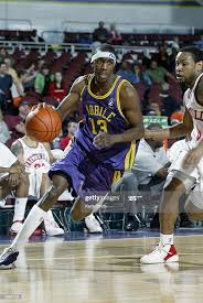 Aaron Owens of the Mobile Revelers drives the ball during the NBDL... News  Photo - Getty Images