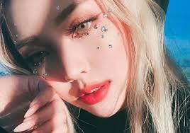exclusive makeup artist pony tells us