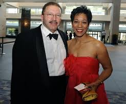 Retired news reporter, Andrea Roane is married to Michael Skehan.   Married  Celeb