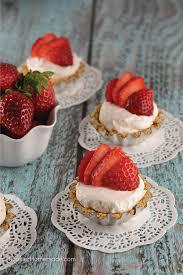 easy mini strawberry cheesecakes
